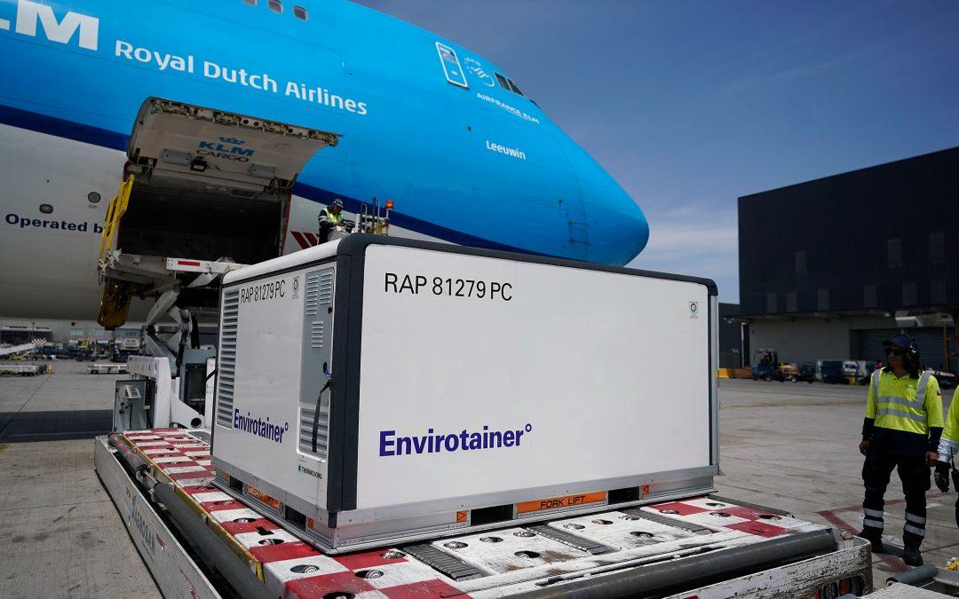 Se necesitarían 8.000 Boeing 747 para distribuir las vacunas en forma global. Sólo hay 2.010
