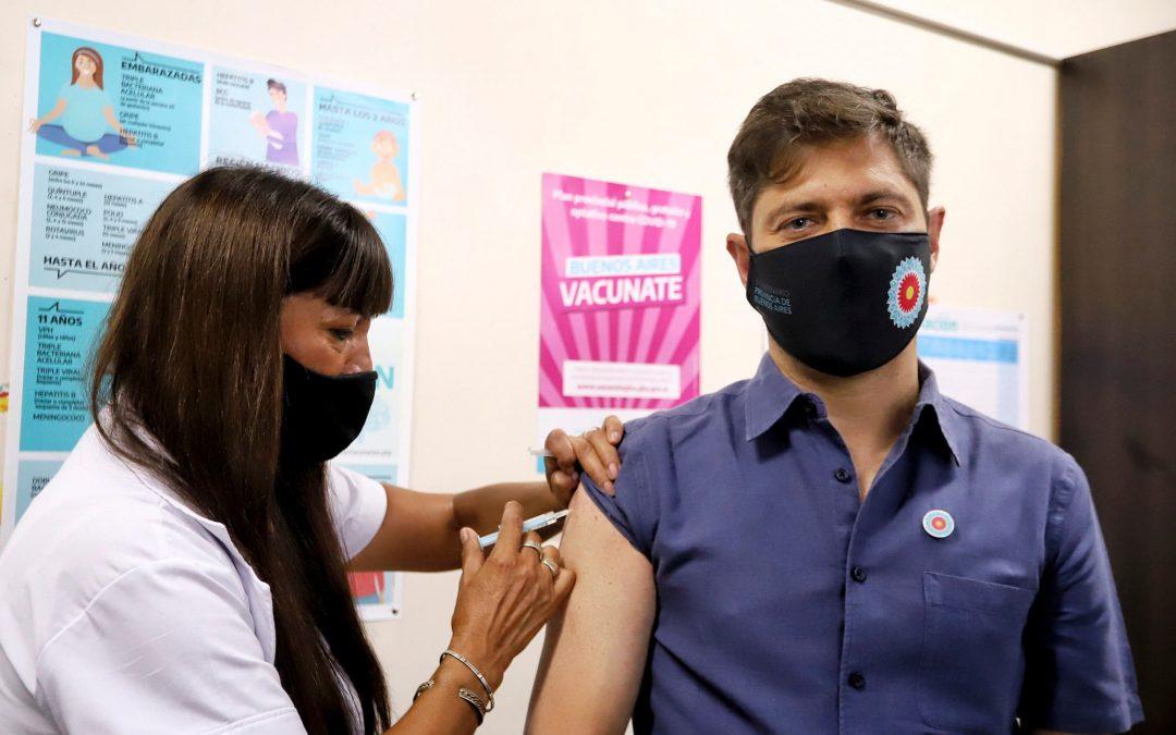 ¿Pueden los políticos saltarse la cola para vacunarse?