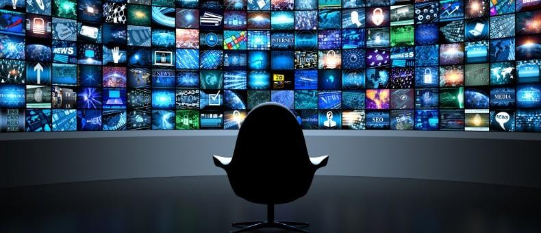 Desiertos de noticias, pantanos de información